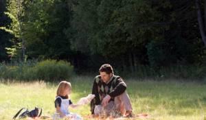 The Time Traveler's Wife: Eric Bana (Henry DeTamble) en Brooklynn Proulx (Clare at Six and Eight)