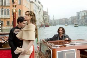 The Tourist: Johnny Depp (Frank Taylor) en Angelina Jolie (Elise)