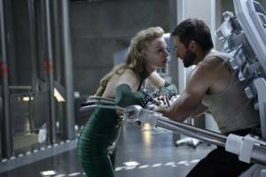 Svetlana Khodchenkova (Viper) en Hugh Jackman (Logan / Wolverine)