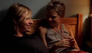 Tomboy: Sophie Cattani (Mother) en Zoé Héran (Laure / Mikaël)