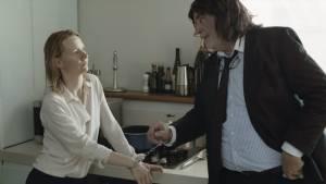 Toni Erdmann: Sandra Hüller (Ines) en Peter Simonischek (Winfried Conradi / Toni Erdmann)