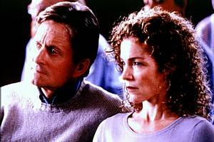 Michael Douglas als Robert Wakefield, Amy Irving als Barbara Wakefield