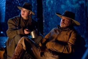True Grit: Jeff Bridges (Marshal Reuben J. Cogburn) en Hailee Steinfeld (Mattie Ross)