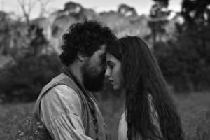 Vazante: Adriano Carvalho (António) en Luana Nastas (Beatriz (as Luana Tito Nastas))