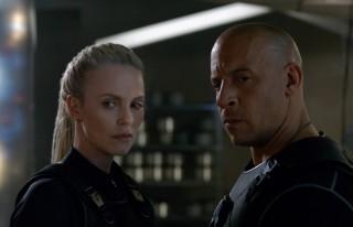 Charlize Theron en Vin Diesel in Fast & Furious 8