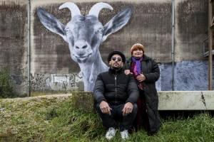 Visages, villages: JR (Zichzelf) en Agnès Varda (Zichzelf)
