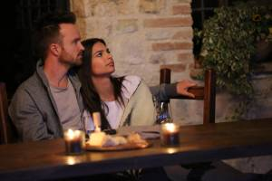 Welcome Home: Aaron Paul (Bryan) en Emily Ratajkowski (Cassie)