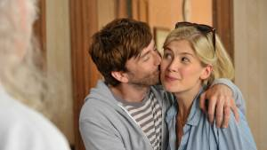 What We Did on Our Holiday: Rosamund Pike (Abi) en David Tennant (Doug)