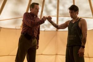 Why Him?: Bryan Cranston (Ned Fleming) en James Franco (Laird Mayhew)
