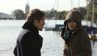 Willem Dafoe en Rachel McAdams in A Most Wanted Man