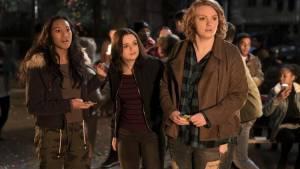 Wish Upon: Sydney Park, Joey King (Claire) en Shannon Purser (June)