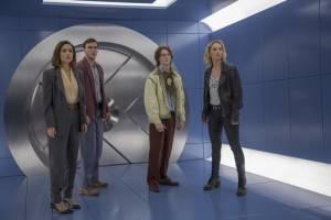 X-Men: Apocalypse: Rose Byrne (Moira MacTaggert), Nicholas Hoult (Hank McCoy / Beast), Lucas Till (Alex Summers / Havok) en Jennifer Lawrence (Raven / Mystique)