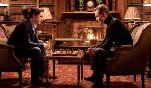X-Men: First Class: James McAvoy (Professor Charles Xavier) en Michael Fassbender (Erik Lehnsherr / Magneto)
