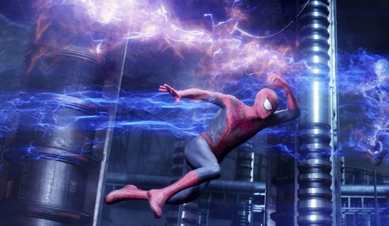 Still uit The Amazing Spider-Man 2. Hier speelt Andrew Garfield de hoofdrol.