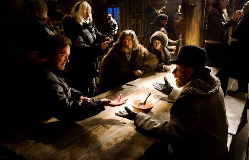 Tarantino met zijn cast (c) eOne