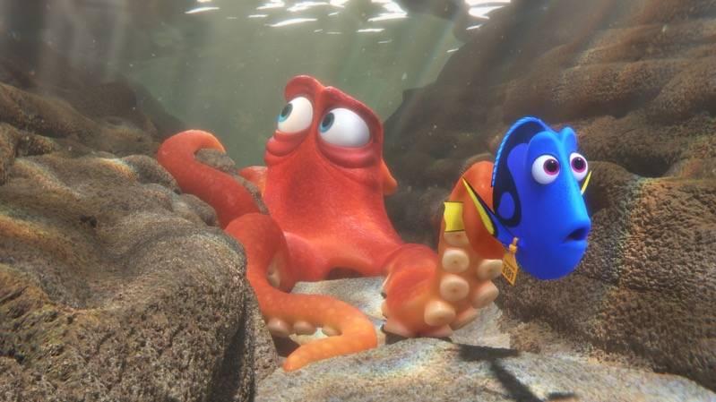 Dory met octopus Hank (c) Walt Disney