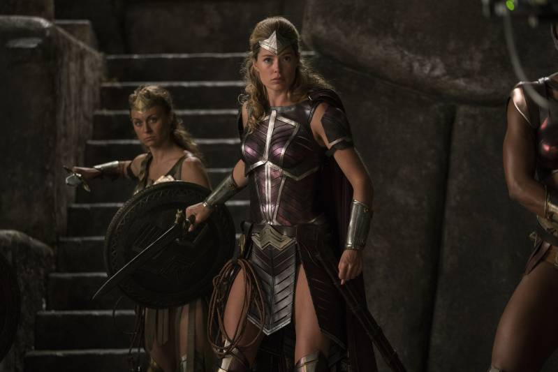 Doutzen Kroes als Amazone Venelia ©2017 Warner Bros Ent. All Rights Reserved. TM & ©DC Comics