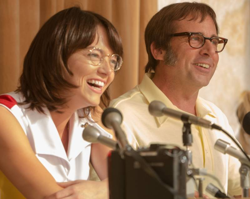 Emma Stone als 'Billie Jean King' en  Steve Carell als 'Bobby Riggs' in BATTLE OF THE SEXES. Foto: Melinda Sue Gordon. © 2016 Twentieth Century Fox Film Corporation All Rights Reserved, Melinda Sue