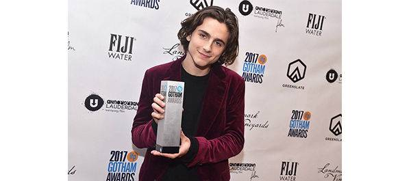 Hoofdrolspeler Timothée Chalamet won de Gotham Award voor Breakthrough Actor © 2017 Unoversal Pictures