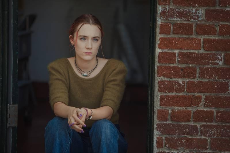 Saoirse Ronan, die in Lady Bird en Loving Vincent speelt, is een kanshebber