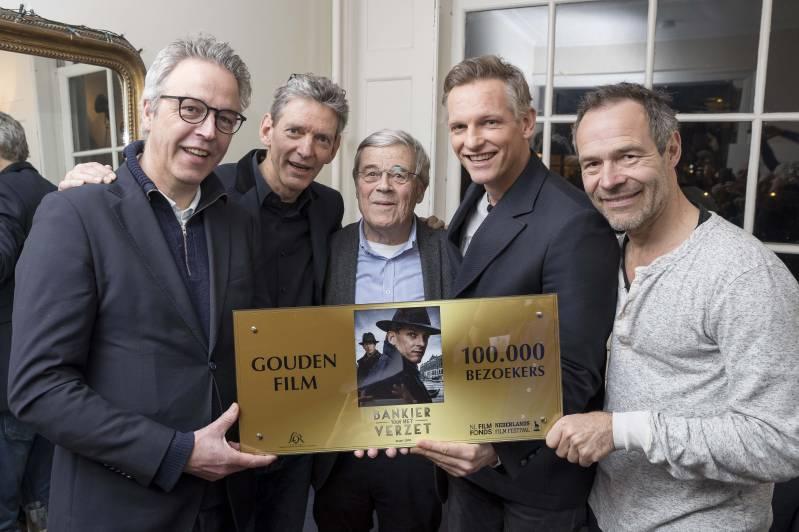 V.l.n.r. directeur Nederlands Film Festival Hein Barnhoorn, producent Sytze van der Laan, Aad van Hall, hoofdrolspeler Barry Atsma en regisseur Joram Lürsen. Credit: Arjo Frank