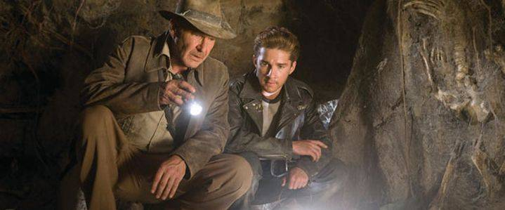 Harrison Ford en Shia LaBeouf in Indiana Jones and the Kingdom of the Crystal Skull (c) 2008