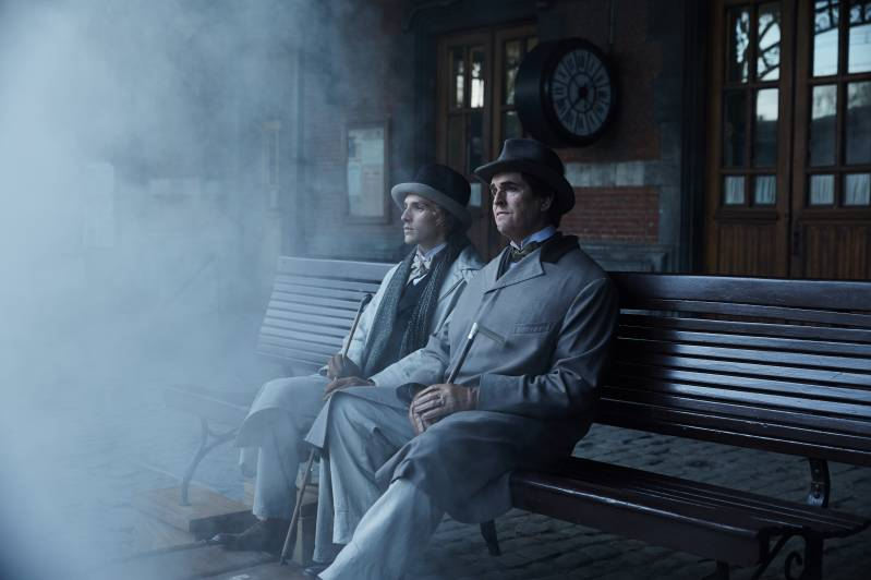 Rupert Everett en Colin Morgan in The Happy Prince (c) 2018