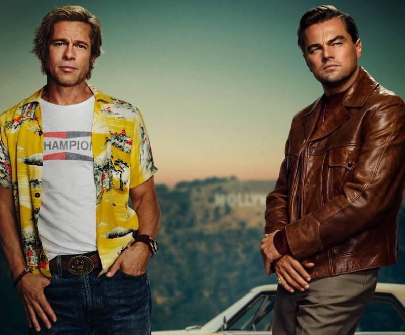 'Stuntman' Brad Pitt en 'tv-ster' Leonardo DiCaprio in 'Once Upon A Time In Hollywood' © 2019 Sony