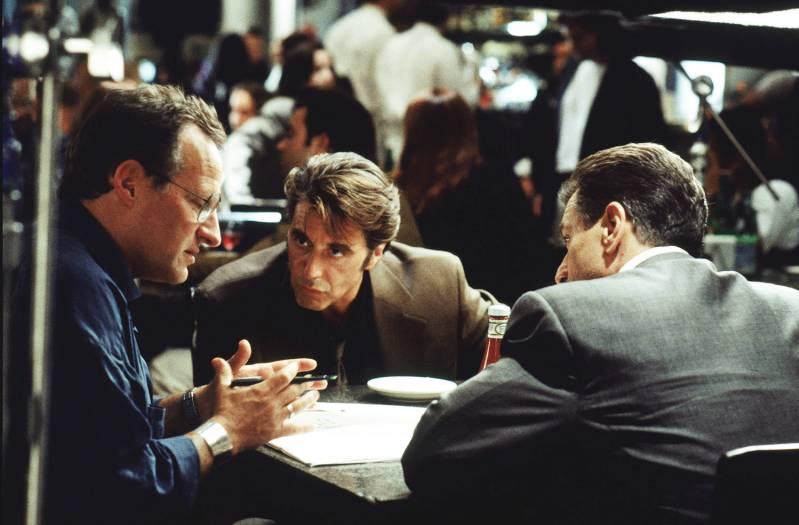Michael Mann op de set van Heat met Al Pacino en Robert de Niro (1995) © 2019 EYE