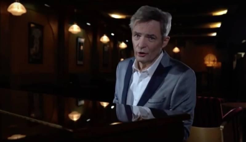 Herman Finkers zingt Op'n löp veur de leefde