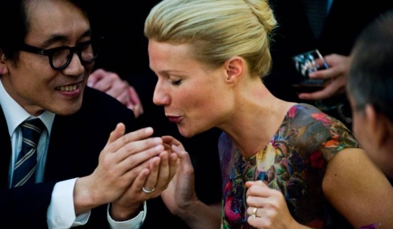 Gwyneth Paltrow als Beth Emhoff op het moment van besmetting in Contagion © 2011 Warner Bros.