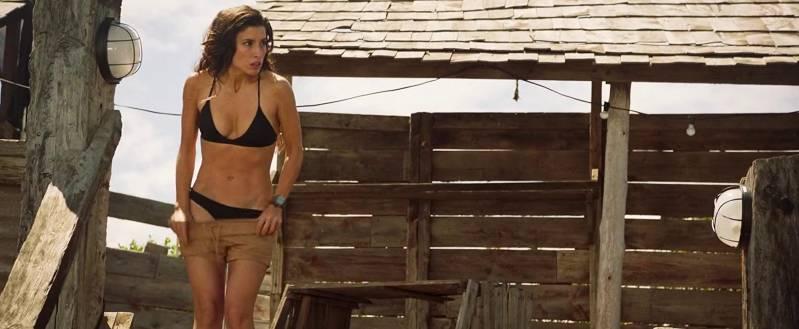 Tania Raymonde in Deep Blue Sea 3