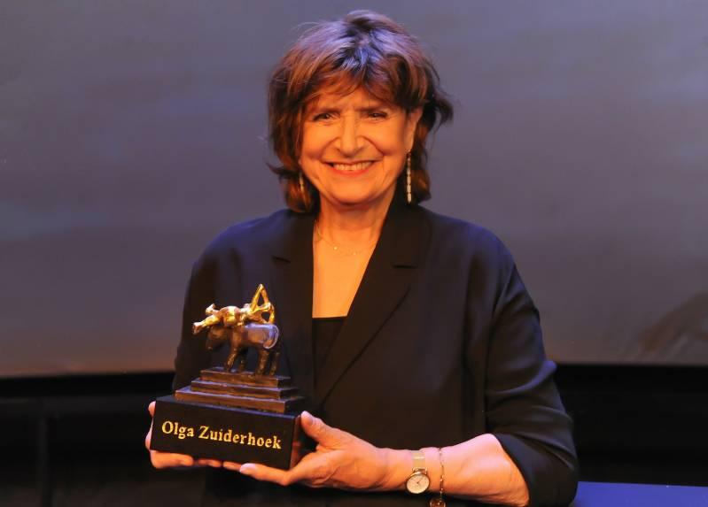 Olga Zuiderhoek neemt Career Achievement Award tijdens Film by the Sea 2020