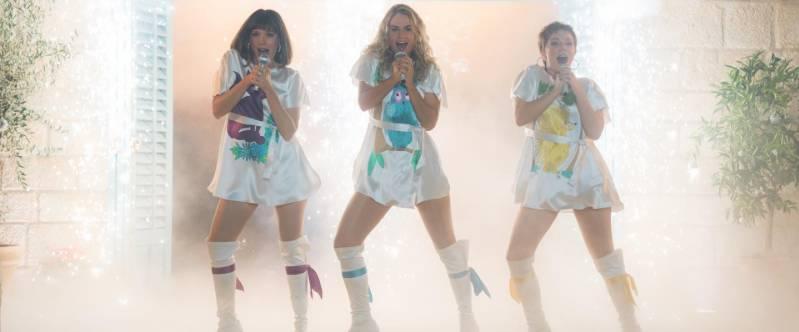 Jessica Keenan Wynn, Lily James en Alexa Davies in Mamma Mia! Here We Go Again!