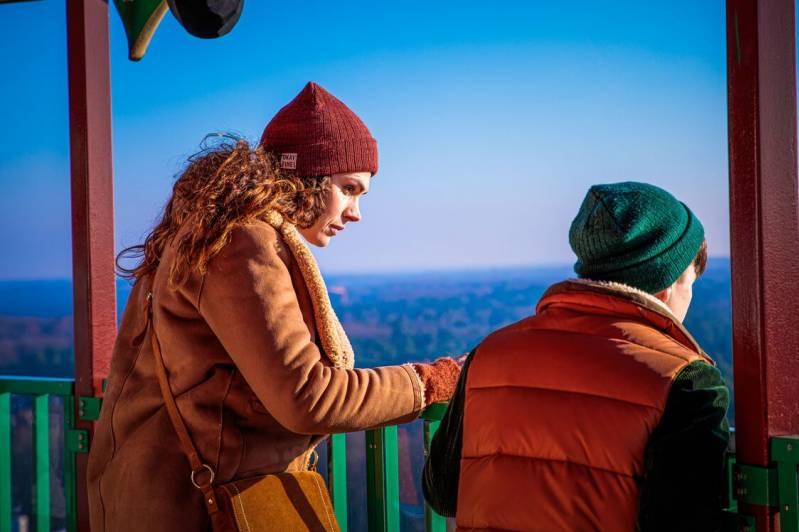 Anna Drijver en Levi Otto in De Expeditie van Familie Vos