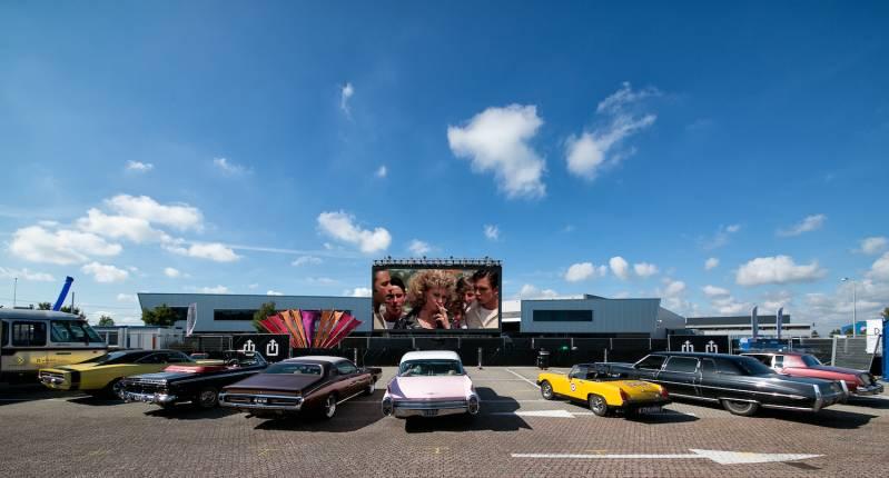 A4 Drive-in-bioscoop in 2020 met een speciale projectie waar ook overdag films getoond worden