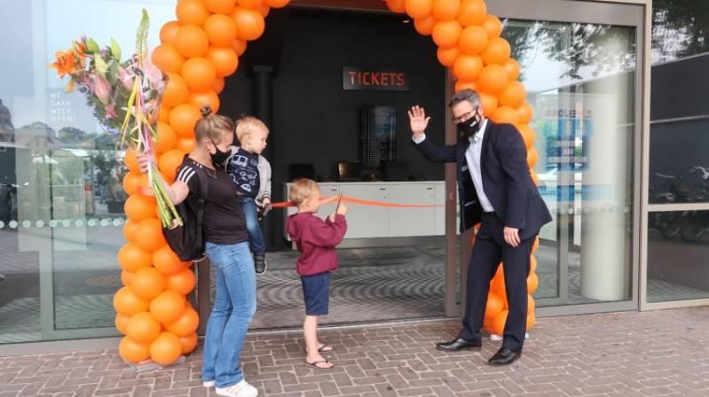Gezin opent VUE Hilversum
