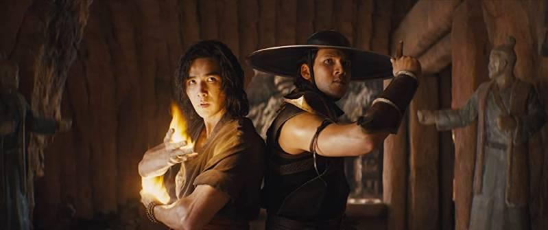Ludi Lin en Max Huang in Mortal Kombat (2021)