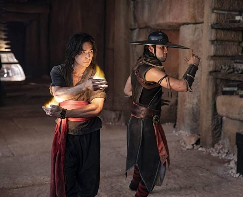 Ludi Lin en Max Huang in Mortal Kombat (2021) 2