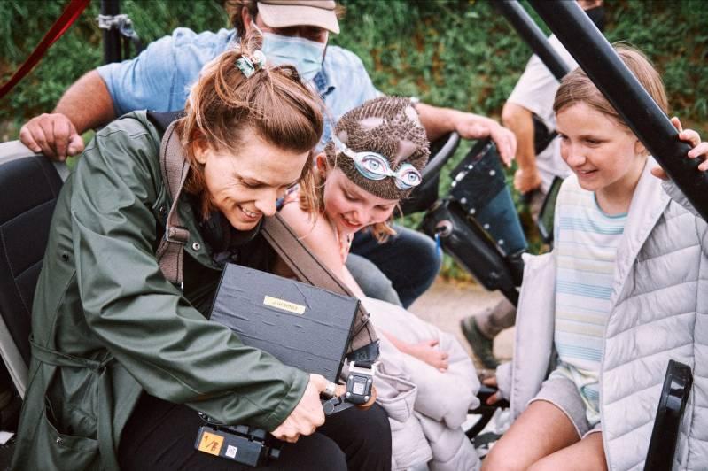 Op de set van Het Smelt met Veerle Baetens, Amber Metdepenningen en Rosa Marchant © 2021 Savage Film/Thomas Sweertvaegher