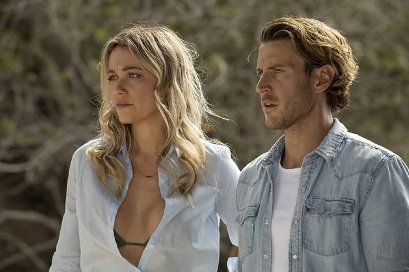 Katrina Bowden en Aaron Jakubenko in Great White